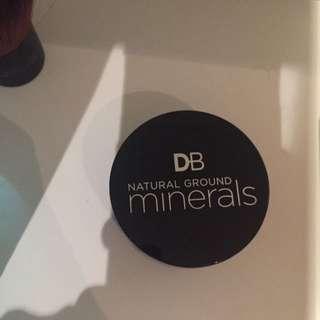 Natural Ground Minerals Medium Foundation
