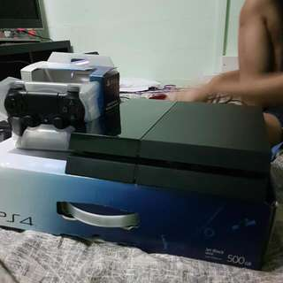 PS4 JET BLACK CUH-1006A 500GB.