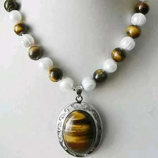 "Natural 8mm Beads With Tiger Eye Pendant 18"" Necklace"