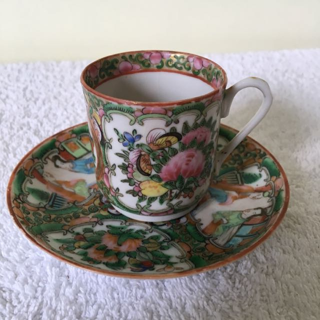 5 Cups And Saucers (small)