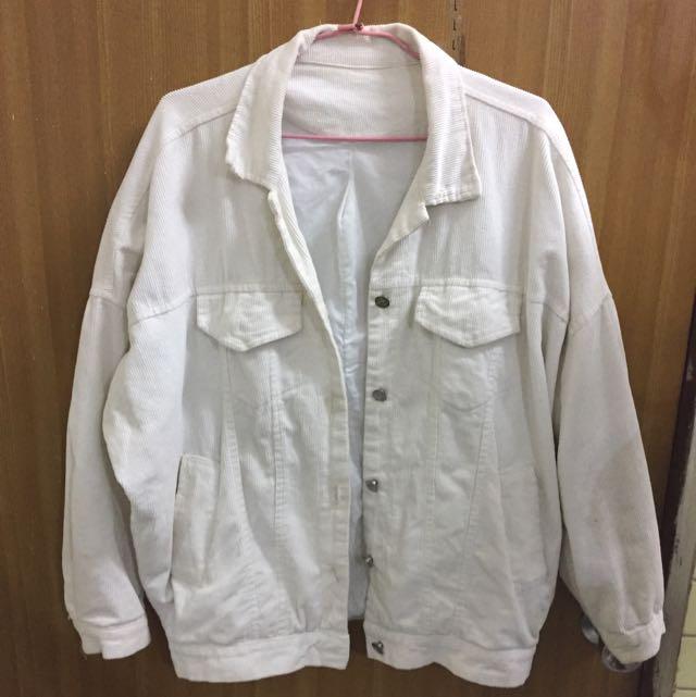 白色燈芯絨外套