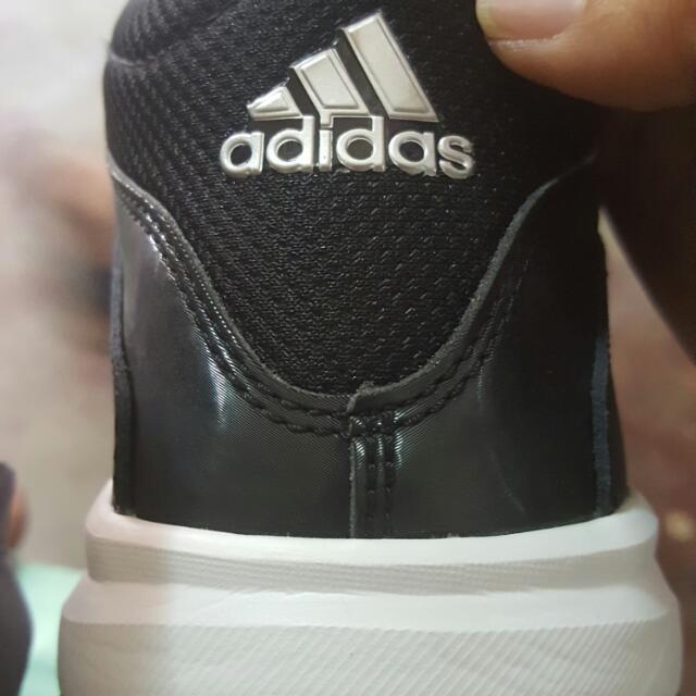 Adidas Isolation Sz8.5