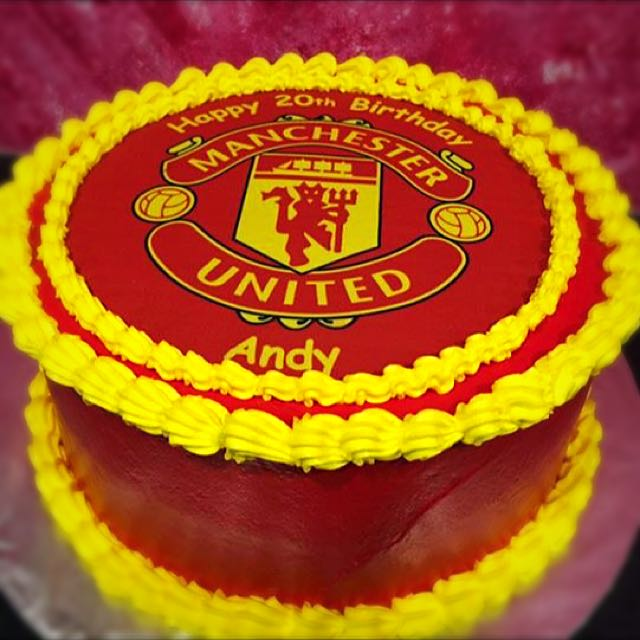 Birthday Cake Man United Food Drinks Baked Goods On Carousell