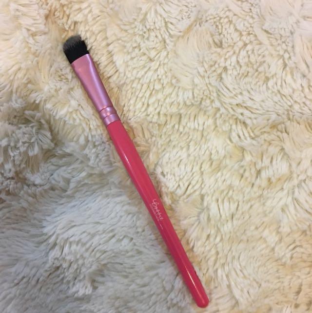 Bobbie Cosmetics Eyeshadow Brush