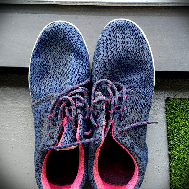 [Summer Sale] Casual walking Shoes size 8