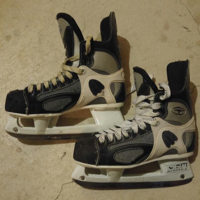 CCM 452 Tacks Skates
