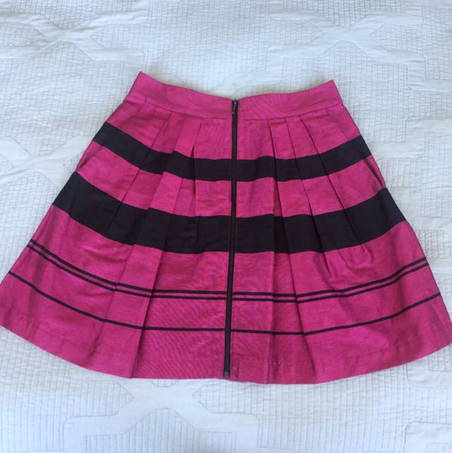 Cue In The City Skirt!