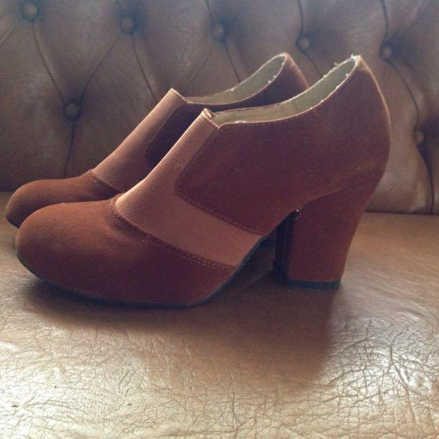 ICONinety9 Shoes Heels