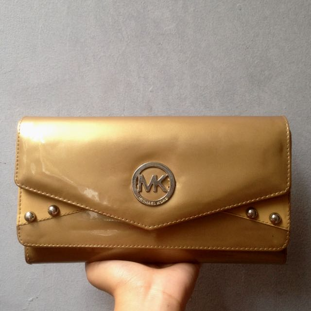 Michael Kors Wallet // Gold