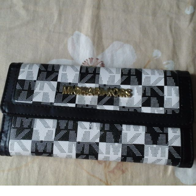 MK Wallet Black and White