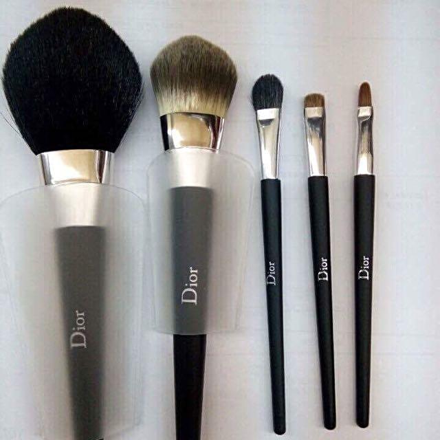 3d09a3c4 Original Dior makeup Brush Set, Health & Beauty, Makeup on Carousell