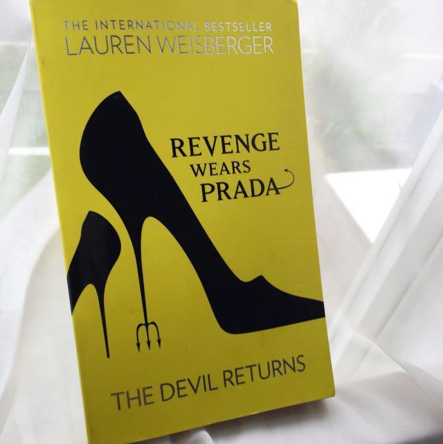 Revenge Wears Prada (bestseller) by Lauren Weisberger