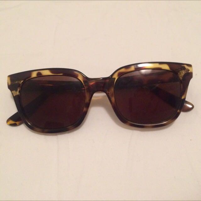 Tortoise Sunglasses Wayfarer Style