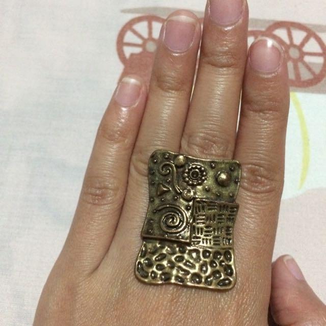 Unique Statement Ring // Cincin Unik