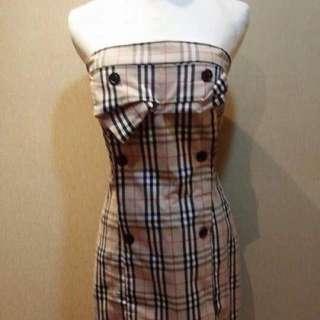 經典格紋 平口洋裝 性感風格