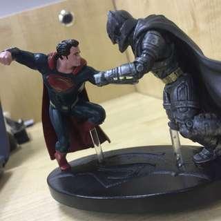 Superman Vs Batman Figure