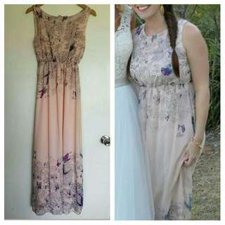 Maxi Dress With Floral Detail Size Small