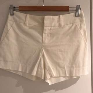 Club Monaco White Shorts - Size 00