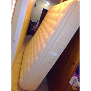*REDUCED* Spring Eurotop Mattress & Split Box