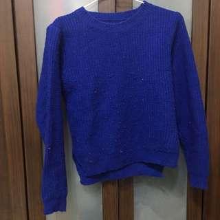 藍色短版上衣