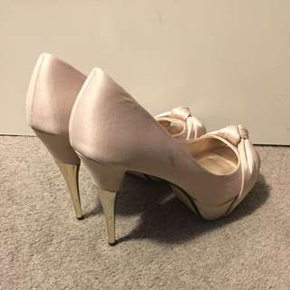 REDUCED!! Beige Pumps With Shiny Gold Heel