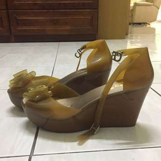 Brown Jelly Wedges