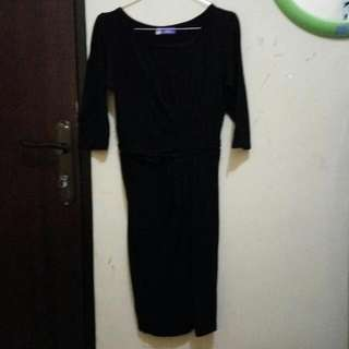 Dress Hitam Size S Brand GEELA