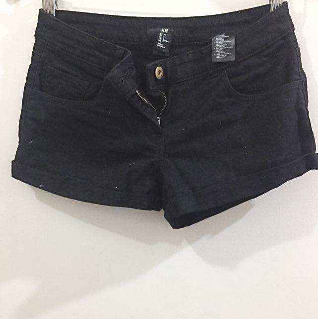34 H&M Black Denim Shorts