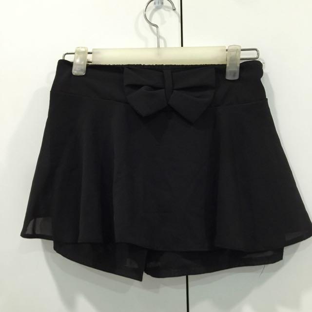 (二手)黑色彈性絲質蝴蝶結褲裙(S.M)