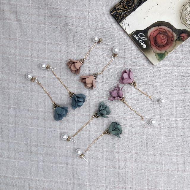 咪嗚【手作】►新款特價!!垂墜珍珠韓國布花耳環。麂皮花瓣 分離 兩戴式