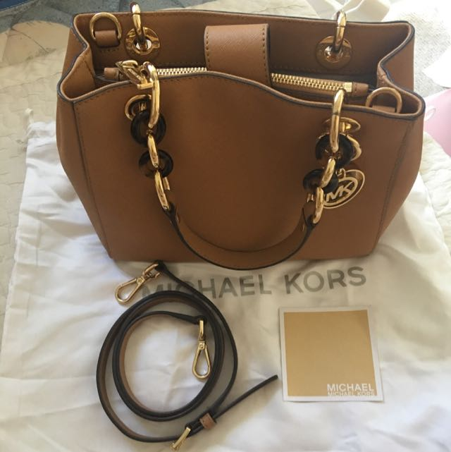Authentic Michael Kors Cynthia Small in Camel