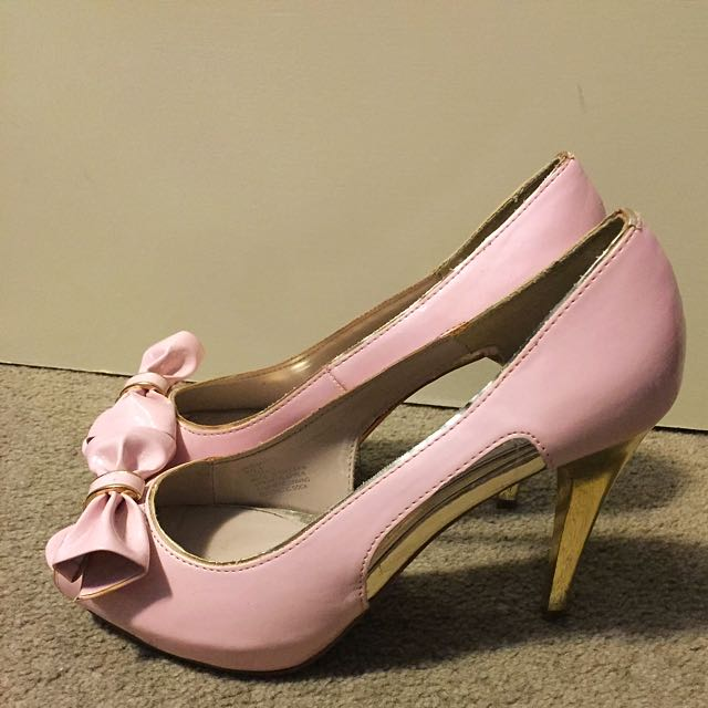 REDUCED!! Baby Pink & Gold Bow Pumps