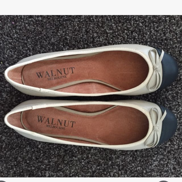 Brand New Walnut Melbourne Ballet Flats