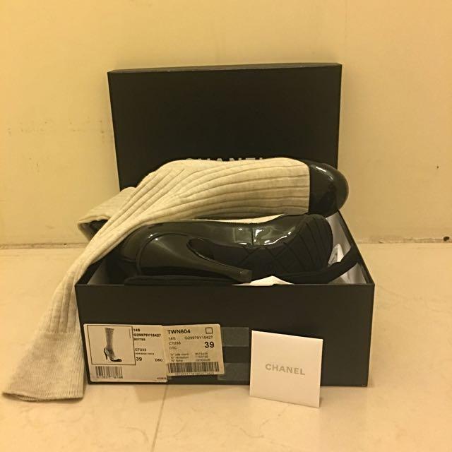 降價 只要$11000 CHANEL 米色棉襪長靴