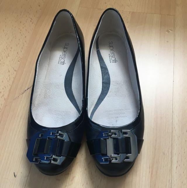 Diana Ferrari Black Leather Ballet Flats