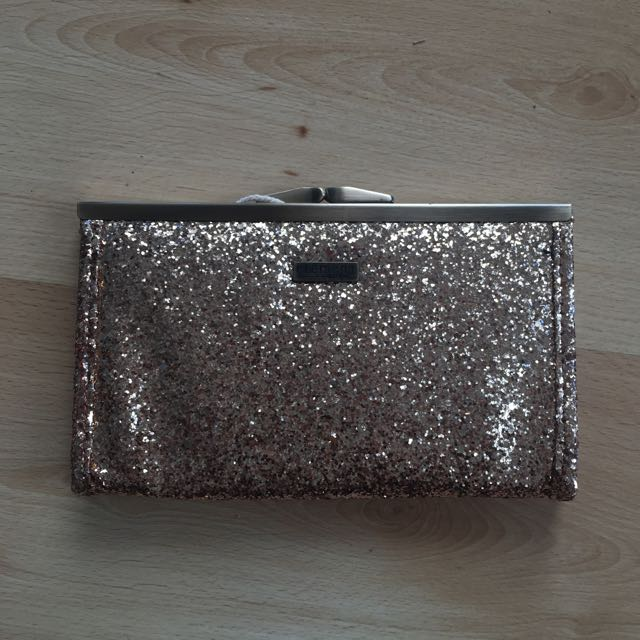ELEMENT EDEN Gold Shimmer Clutch
