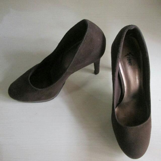 Fioni Shoes (Preloved)