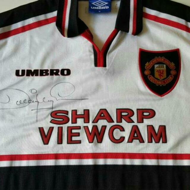 718e1616619 manchester united away jersey 98 99 signature by dwight yorke  100%authentic
