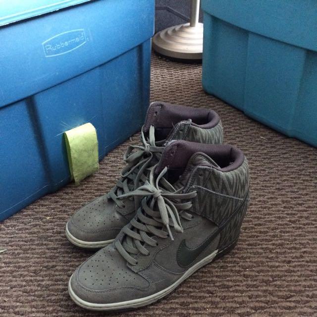 Nike Shoes Size 9