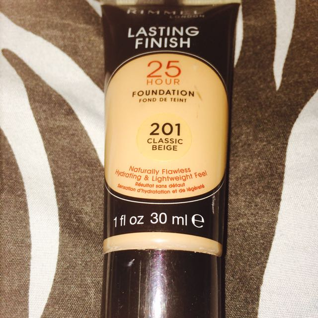 Rimmel lasting finish 25H foundation