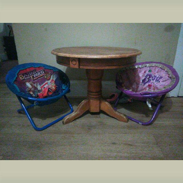 Round Table and Two Kid chairs