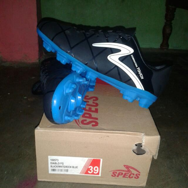 Sepatu Bola SPECS dominating Touch, Men's Fashion, Men's Footwear on Carousell