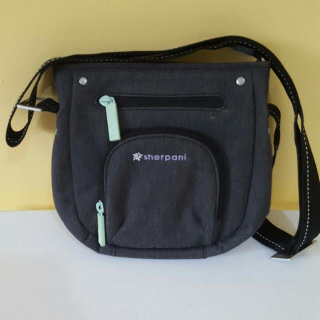 Sherpani Cross Body/shoulder Bag