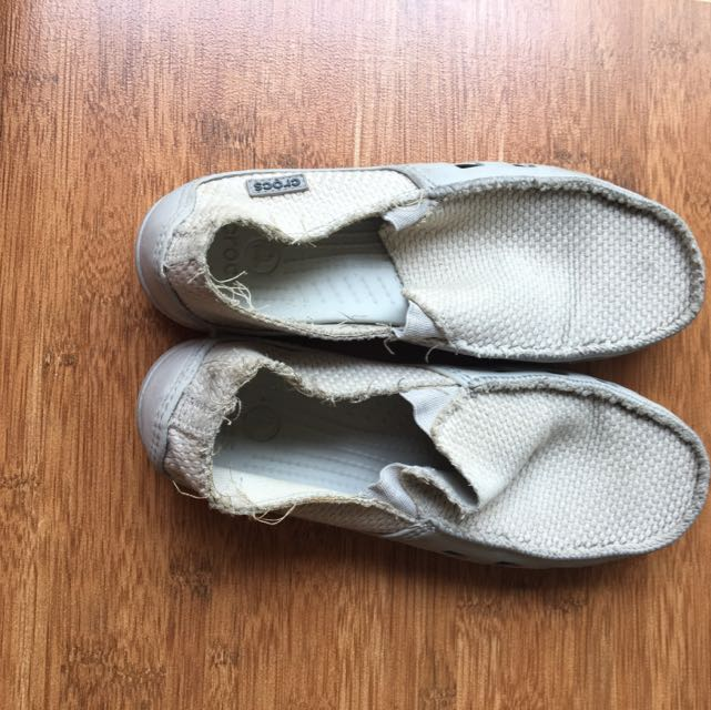 Spatu Crocs