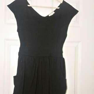 Black Semi-cap Sleeved Dress (Size M)