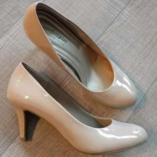 Nude Heels - Size 6.5