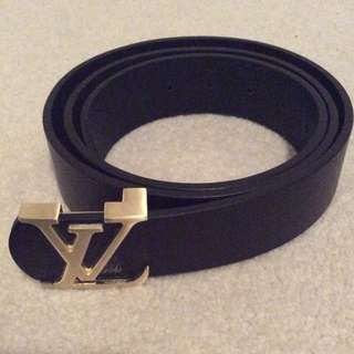 Louis Vuitton Belt (black and Gold)