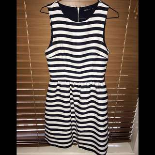 Tokito Size 8 Work Or Play Dress