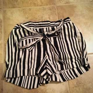 Black Striped Shorts Forever 21 Size Small