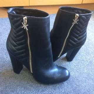 Kardashian Kollection Boots